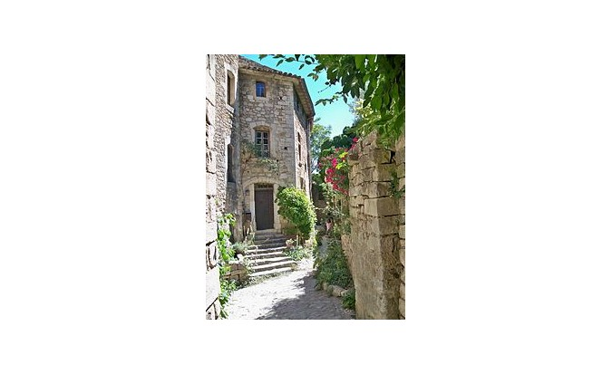 VILLAGES DU LUBERON  JOURNEE EN CAR  JCS VOYAGES 04 66 67 39 01